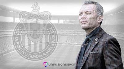 José Luis Higuera está fuera de Chivas