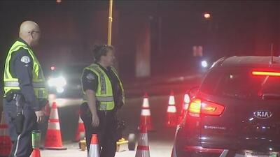Estricto operativo en North Hollywood para detener conductores ebrios y sin licencia