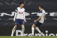 Manchester United se impone ante Tottenham con un marcador de 3-2. Son Heung-Min abría el marcador al minuto 40 y le daba la victoria parcial a los 'Spurs', pero Frederico Santos, Edinson Cavani y Mason Greenwood se encargaron de darle la vuelta al partido y darle el triunfo a los 'Red Devils' en Londres.