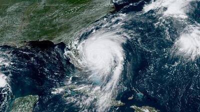 Marejadas, vientos y lluvia: los efectos más preocupantes de Dorian en su trayectoria cerca a EEUU