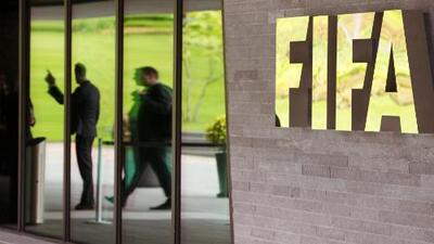 Detienen a funcionarios de FIFA por cargos de corrupción; podrían ser extraditados a EEUU