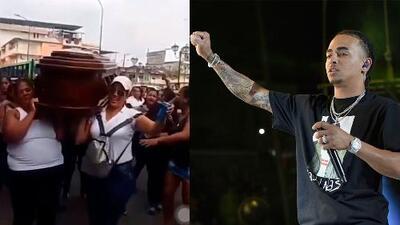 Mujeres cargan ataúd por las calles al ritmo de 'Te Boté' de Ozuna con cervezas en mano