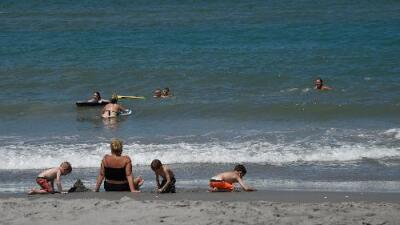 La bacteria 'come carne' que se esconde en las playas de Florida: ¿qué es y cómo se contrae?