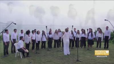 """Homenajean a Puerto Rico cantando """"Amanecer Borincano"""" a un año del paso del huracán María por la isla"""