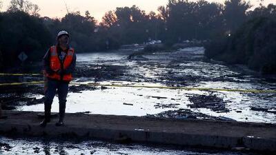 Deslaves e inundaciones en California provocan órdenes de evacuación, mientras dejan daños y preocupación