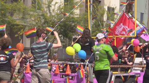 Las calles se pintaron con los colores del arcoíris en el desfile Phoenix Pride 2018