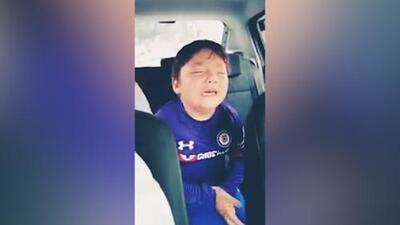 (Video) El niño llora la demolición del estadio del Cruz Azul y se hizo famoso