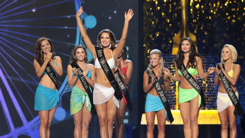 Miss America Se Quita El Traje De Bano Para Resolver La Crisis