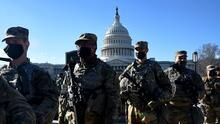 Congresista de California busca evitar que los supremacistas se infiltren en las Fuerzas Armadas