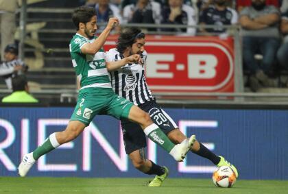 Y a los 23 minutos, los de casa lograron cristalizar ese dominio con el primer gol en el partido. Por conducto de Rodolfo Pizarro.