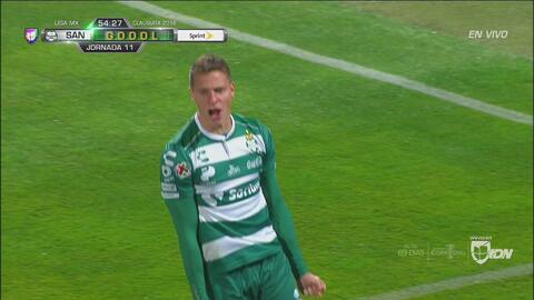 De héroe a villano, González regala el gol de la igualada para Santos