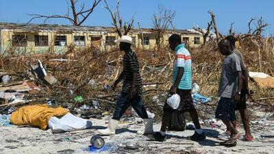 Damnificados por el embate de Dorian en Bahamas piden visas humanitarias para rehacer sus vidas en EEUU