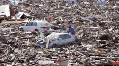 Japón paralizado por terremoto, tsunami y explosiones en plantas nucleares