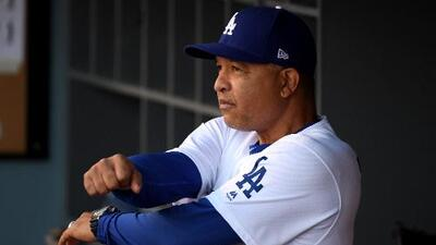 Dave Roberts acepta las críticas y desea continuar al mando de los Dodgers