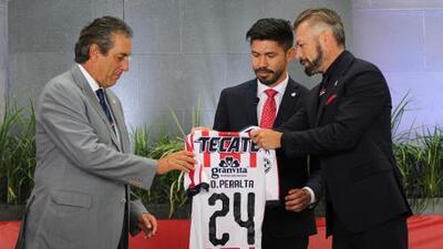 """""""Apenas estoy comenzando, quiero dar mi máximo"""": Oribe Peralta ve lejos su retiro"""