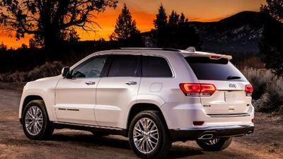 Para los que gustan del lujo y la aventura, la Jeep Grand Cherokee Summit es una gran opción