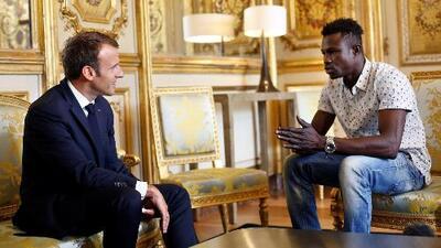 El 'hombre araña' que salvó a un niño de caer de un edificio es indocumentado y Francia le dará la nacionalidad