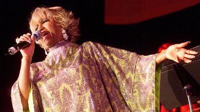 Realizan exhibición en honor a Celia Cruz en el cementerio donde fue enterrada en Nueva York