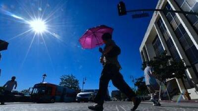 Sol, cielo despejado y viento intenso para este martes en Los Ángeles
