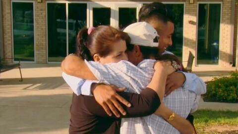 Tras 17 años sin verse, una familia hispana logra el sueño de volver a estar juntos