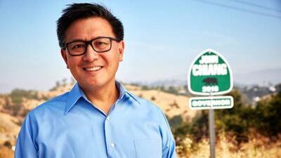 """John Chiang, el candidato progresista que asegura """"saber cómo administrar la chequera"""""""