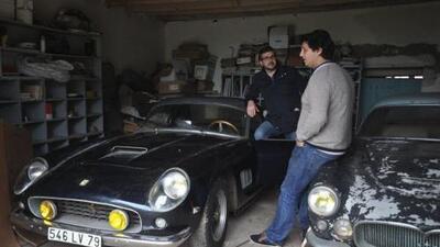 Alistan millonaria subasta de 60 autos antiguos abandonados en Francia