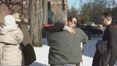 Familiares y amigos dan el último adiós a la joven asesinada por su novio