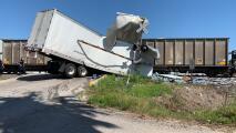 Investigan accidente que involucra un tren y un camión de carga en el área de Richmond