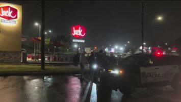 Roba una ambulancia y lo encuentran ordenando comida con las luces de emergencia encendidas