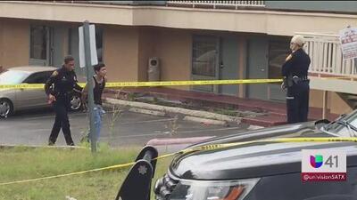 Dos policías que buscaban autos robados terminan involucrados en un tiroteo
