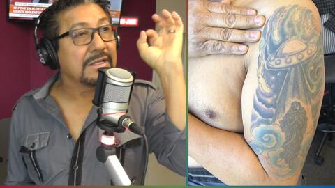 El Feo muestra su tatuaje del 'Fin del Mundo', con Jesucristo bajando de un platillo volador