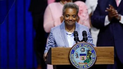 Lori Lightfoot preside su primera junta en el Concilio de Chicago como alcaldesa y logra una importante victoria