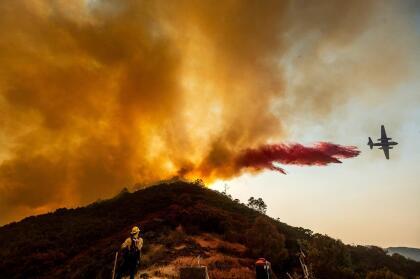 """Muchas de las conflagraciones fueron provocadas por <a href=""""https://www.univision.com/local/san-francisco-kdtv/asi-se-vieron-las-postales-de-luz-que-dejo-la-sorpresiva-tormenta-electrica-en-el-area-de-la-bahia-fotos"""" target=""""_blank"""">las lluvias de relámpagos</a> registradas entre domingo y lunes a lo largo y ancho de la Bahía de San Francisco."""