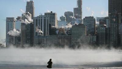 Nieve, hielo y viento: imágenes de la peligrosa mezcla del vórtice polar que afecta gran parte del país