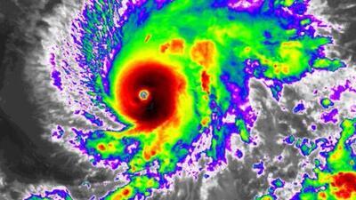 Alerta en Hawaii ante el errático huracán Lane: así se ve desde el espacio