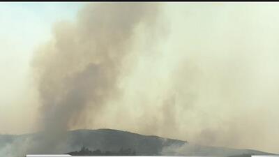 """Incendio """"County"""" avanza al norte de California"""