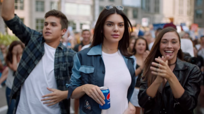 Pepsi retira comercial con Kendall Jenner después de recibir fuertes críticas en redes