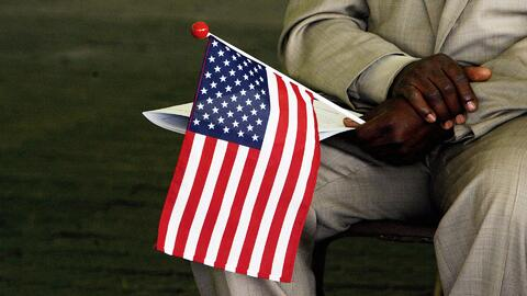 ¿Cuáles son los beneficios de convertirse en ciudadano de los Estados Unidos?
