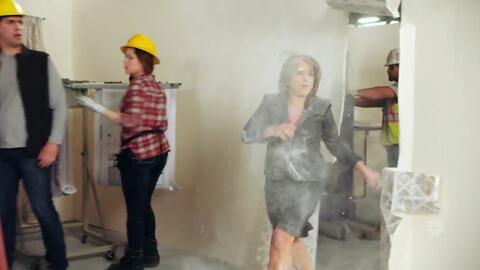 El video viral de la gobernadora de Nuevo México que (literalmente) rompe muros