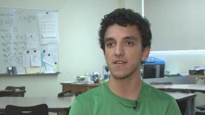 """""""Sí es posible llegar"""": así fue como este hispano fue aceptado por tres de las mejores universidades de EEUU"""