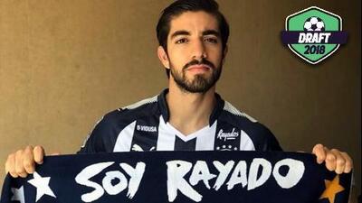 Es oficial: Rodolfo Pizarro deja a las Chivas y llega a Monterrey