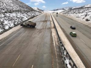 La nieve se apoderó de las vías en California