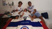 Gran detalle de Jurado con fan convaleciente de Cruz Azul