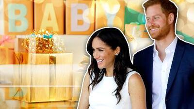 El príncipe Harry y Meghan Markle recibieron los primeros tiernos regalos para su bebé frente a cámaras