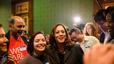 Kamala Harris propone mantener DACA, ampliarlo y dar una vía a la ciudadanía a los dreamers