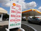 Gobernador de California pide investigar a compañías petroleras por los altos precios de la gasolina en el estado
