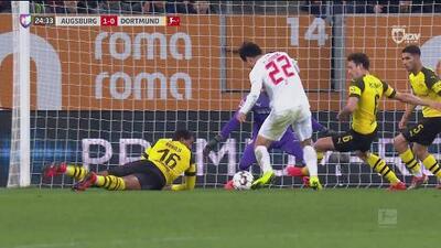 ¡Gooool del Augsburg! Ji Dong-Wong abrió el marcador y puso el 1-0 ante el Dortmund