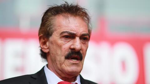 """La Volpe le manda información al Tata: """"tendrá que decidir entre Jiménez y el Chicharito"""""""