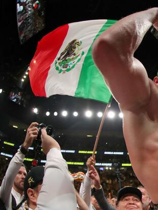 LAS VEGAS, NEVADA - MAY 04: Canelo Alvarez celebrates after his unanimous decision win over Daniel Jacobs in their middleweight unification fight at T-Mobile Arena on May 04, 2019 in Las Vegas, Nevada. (Photo by Al Bello/Getty Images)