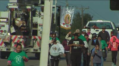 Fieles en San Antonio realizan una peregrinación para dar gracias a la Virgen de Guadalupe
